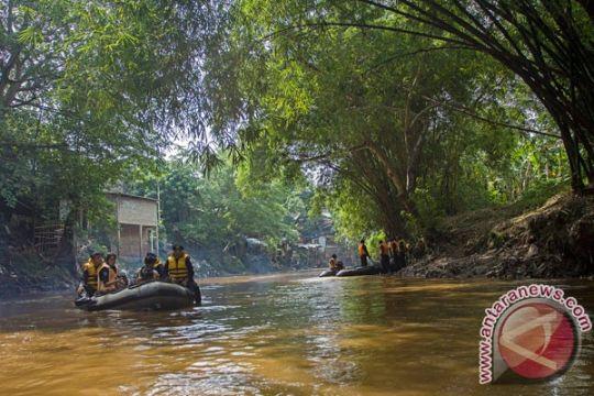 Pemuda nekad terjun ke Sungai Ciliwung ditemukan tewas