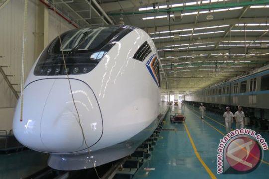 """China kembangkan kereta cepat """"autopilot"""""""