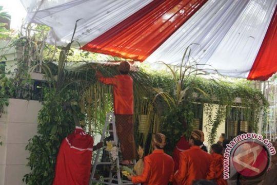 Mensesneg: sebagian besar menteri hadiri pernikahan Kahiyang