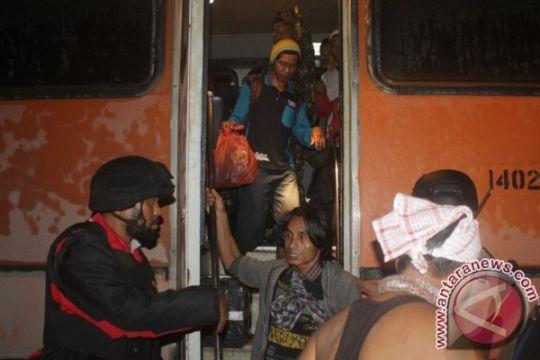 Siswa pengungsi Banti akan dititipkan di Timika