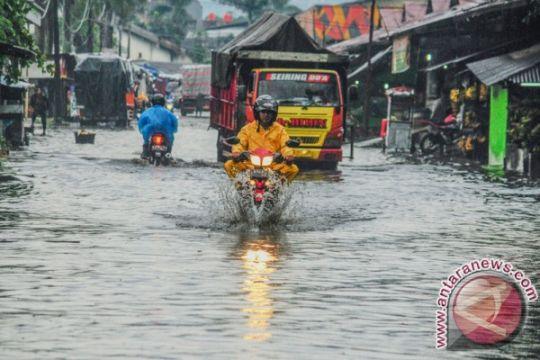 Hujan sejak siang, Kota Bandung banjir
