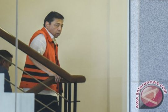 Novanto dicecar 48 pertanyaan pemeriksaan sebagai tersangka