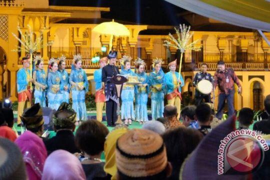 Presiden buka Festival Keraton Nusantara dengan pantun