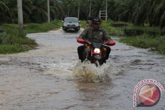 Transportasi darat Aceh Selatan- Subulussalam lumpuh diterjang banjir