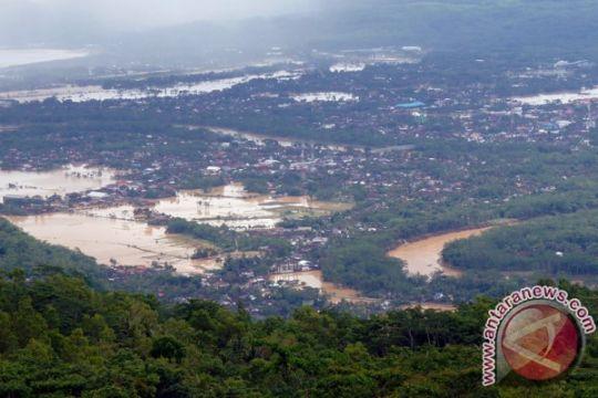 Banjir bandang terjang ratusan rumah di Situbondo