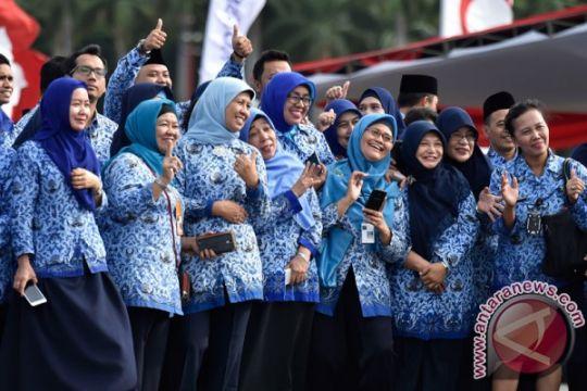 Riau anggarkan Rp315 miliar untuk THR dan gaji ke-13 pegawai