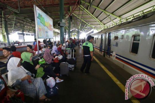 Tiket kereta api di Purwokerto ludes jelang Imlek
