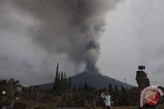 Panglima Kodam IX/Udayana: Warga jangan daki Gunung Agung