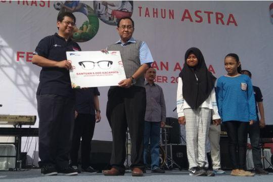 Astra donasikan 6.000 kacamata untuk anak-anak