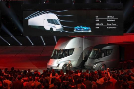 Ratusan truk listrik Tesla dipesan jasa pengiriman barang