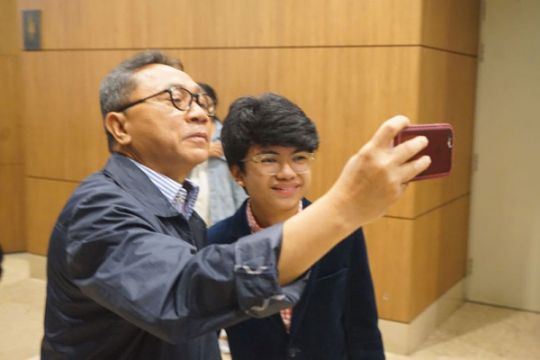 Ketua MPR ajak netizen rawat keberagaman