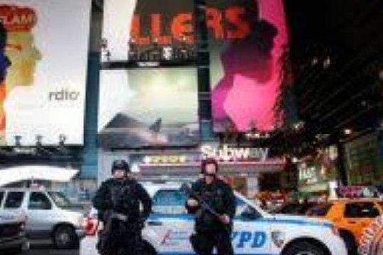 Seorang pria di New York dituduh habisi gelandangan dengan pipa logam