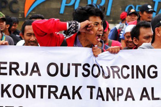 Aksi Penolakan PHK Massal JICT