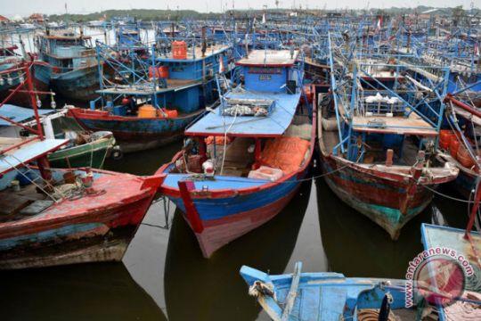 Cuaca Buruk Nelayan Libur Melaut