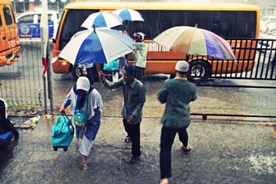 Faktor arus siklonik di Filipina jadi penyebab hujan