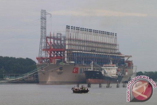 Kapal Turki pasok listrik dua provinsi