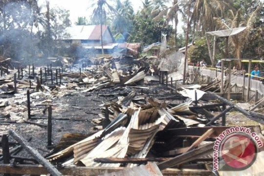 Rumah betang Nanga Nyabau Kapuas Hulu dikabarkan terbakar