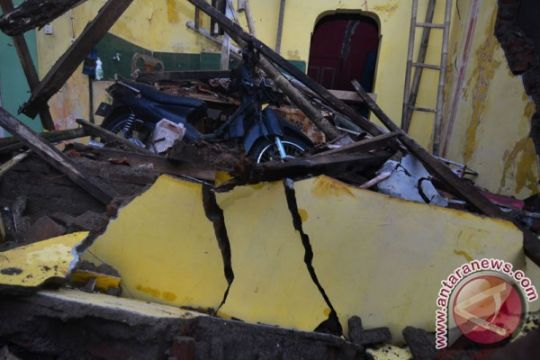 Jabar kirim bantuan logistik korban gempa