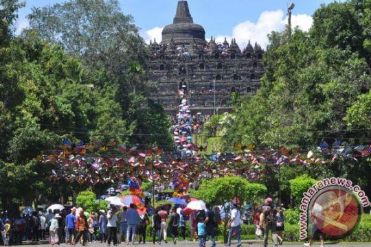 Pengunjung Candi Borobudur meningkat pada libur Natal