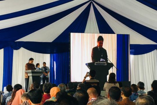 Komatsu serahkan alat bantu pendidikan untuk 35 SMK