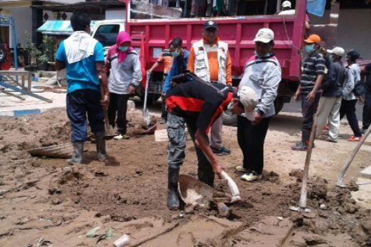 Baguna PDIP kirimkan bantuan korban banjir Pacitan