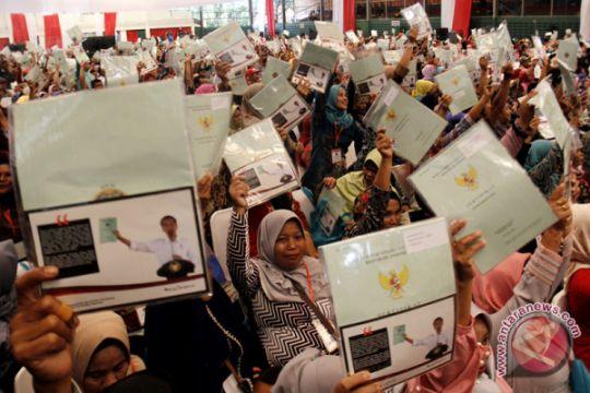 Penyerahan Sertifikat Tanah Di Makassar