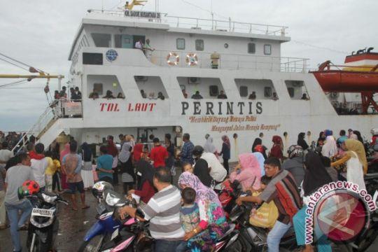 Pelabuhan Meulaboh padat