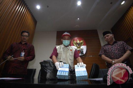 KPK geledah empat lokasi untuk kasus korupsi RSUD Damanhuri