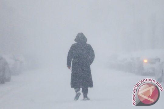 Tga tewas, ribuan tanpa listrik akibat badai salju AS Tenggara