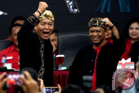 """Santri pendukung TB Hasanuddin-Anton Charliyan """"longmarch"""""""