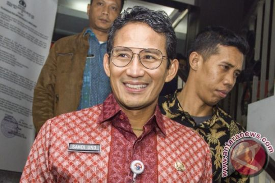 Sandiaga dukung LKB populerkan batik Betawi