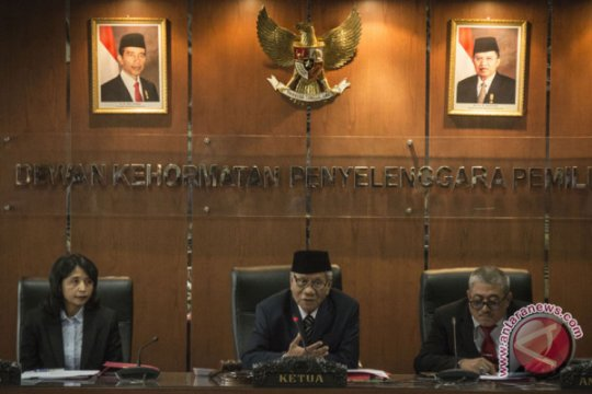 DKPP rehabilitasi nama baik 27 penyelenggara pemilu