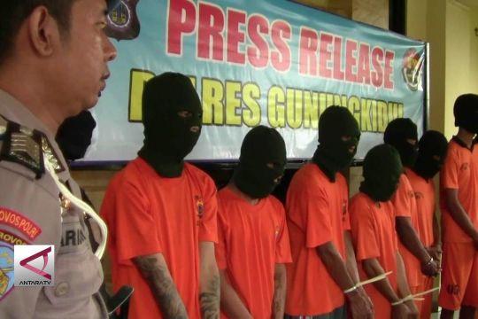 Polisi Bekuk Spesialis Pembobol Bank Lintas Propinsi