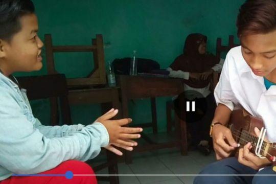 Artikel - Menengok sekolah inklusif di Cirebon