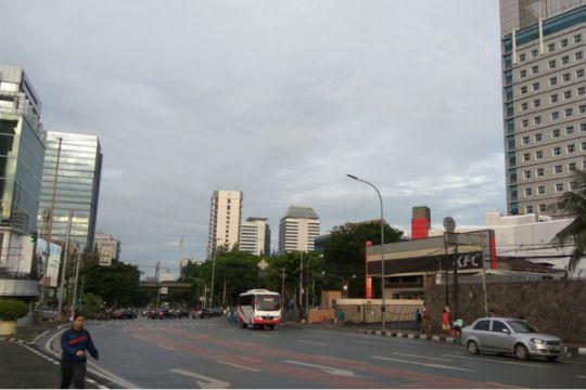Jakarta cerah pagi dan malam, tapi siang sebagian diguyur hujan