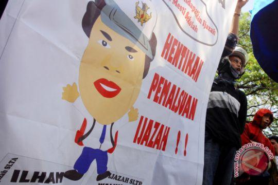 Demo Ijazah Palsu Calon Bupati
