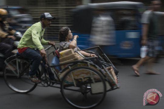 DKI Jakarta akan pasang stiker khusus pada becak