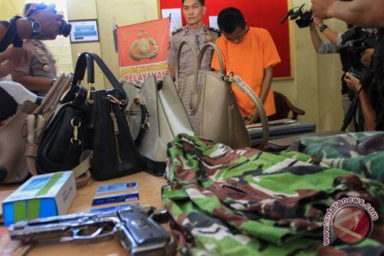 Pakai pistol mainan, tentara gadungan penipu wanita ini ditangkap