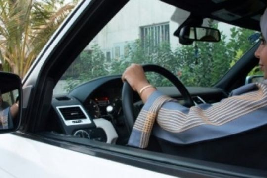 Perempuan Arab Saudi sudah mulai dapat SIM