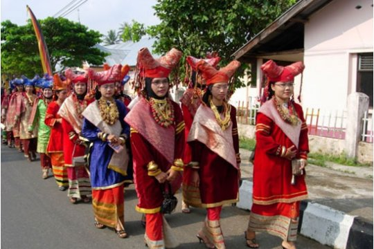 Dinas Pariwisata Sumbar gelar lomba peragaan busana Minangkabau