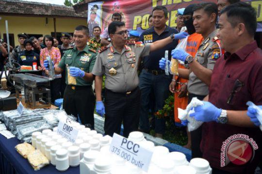 Kasus PCC Sidoarjo masih satu jaringan dengan di Surabaya