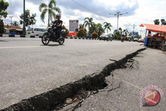Jalan Retak Di Riau