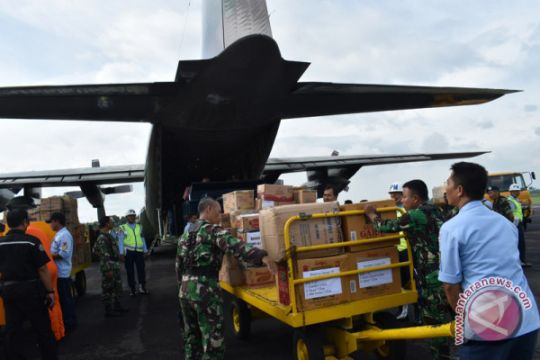 Tiga C-130 Hercules TNI AU angkut relawan dan logistik ke Pulau Lombok