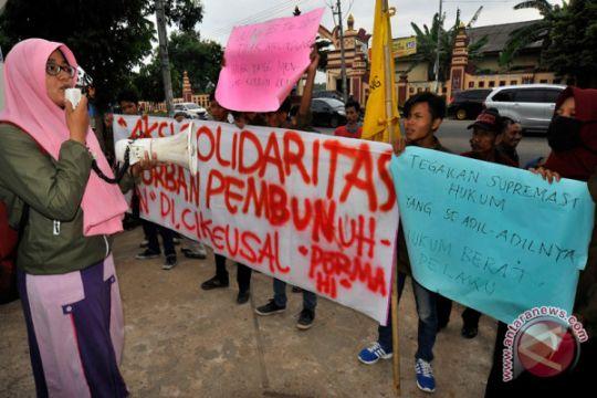 Protes Keluarga Korban Pembunuhan