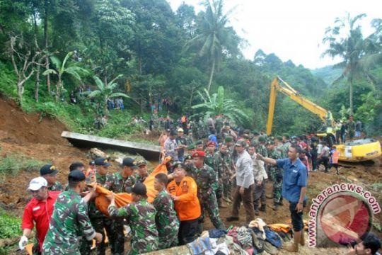 Tim gabungan nyatakan evakuasi korban longsor Cijeruk selesai