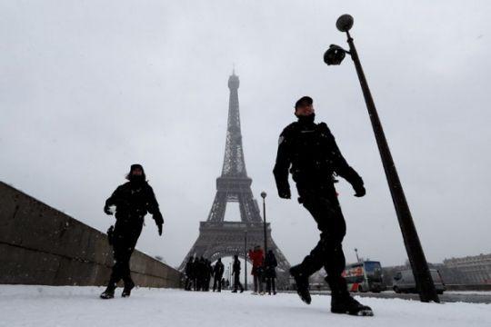 Menara Eiffel ditutup saat siaran langsung final Piala Dunia