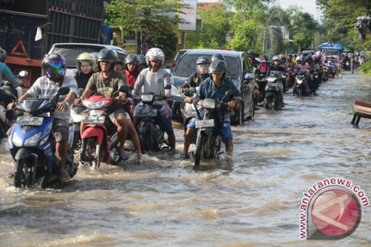 Lebih dari 200 warga Kudus mengungsi akibat banjir