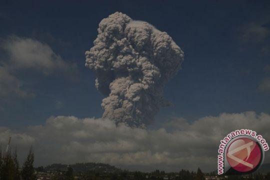 Debu vulkanik Gunung Sinabung meluas ke Aceh