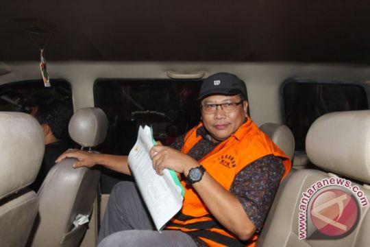 KPK perpanjang penahanan tersangka korupsi IPDN Sumbar