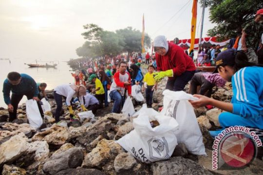 Risma luncurkan program Merdeka dari Sampah